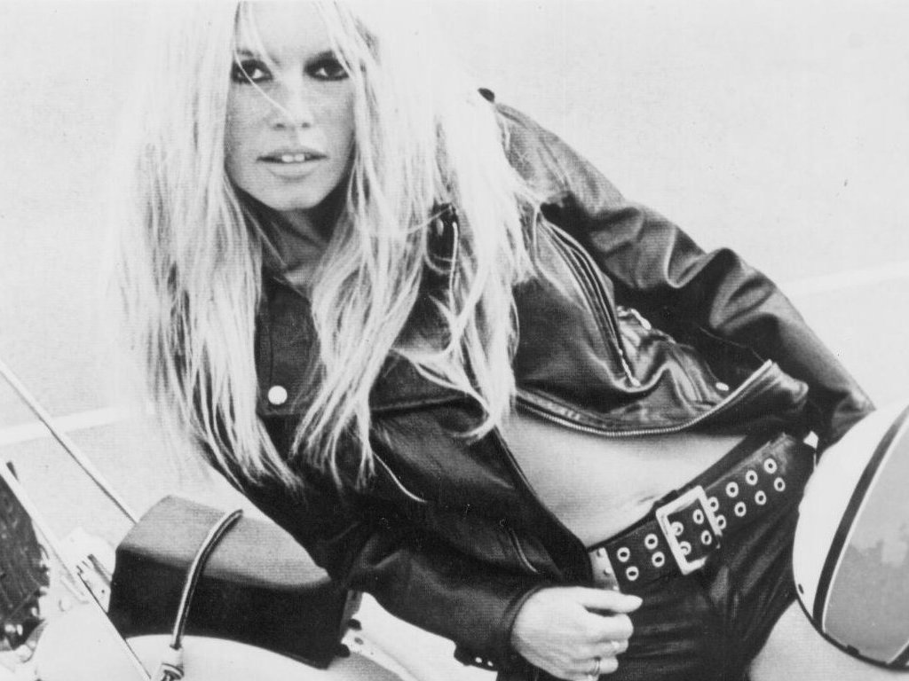 Brigitte-Bardot-leather-jacket